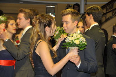Junges Paar tanzt
